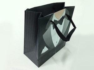 Паперовий пакет для магазину одягу